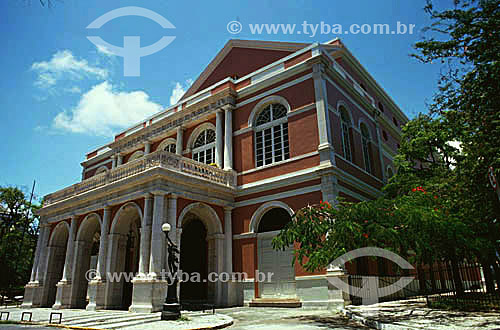 Fachada do Teatro Santa Isabel  - Recife - Pernambuco - Brasil  O teatro é Patrimônio Histórico Nacional desde 31-10-1949.  - Recife - Pernambuco - Brasil