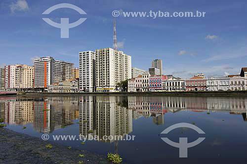 Rio Capeberipe com casario da Rua Aurora ao fundo  - Recife - PE - BrasilData: 2006