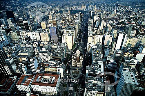 Vista aérea do Centro do Rio de Janeiro mostrando a Igreja Nossa Senhora da Candelária e a Av. Presidente Vargas - Rio de Janeiro - RJ - Brasil  - Rio de Janeiro - Rio de Janeiro - Brasil