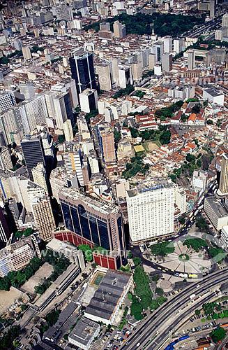 Vista aérea do centro da cidade do Rio de Janeiro - Praça Mauá - RJ - Brasil / Data: 2006