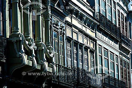 Detalhe de arquitetura - Fachadas de prédios na Rua 7 de Setembro - centro da cidade do Rio de Janeiro - RJ - Brasil  - Rio de Janeiro - Rio de Janeiro - Brasil