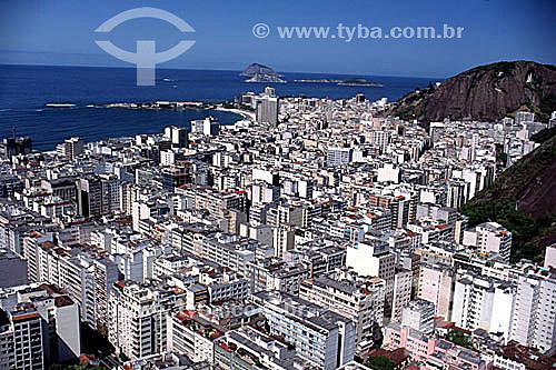 Vista aérea dos prédios de Copacabana com o Forte de Copacabana adentrando o mar à esquerda e o Oceano Atlântico e as ilhas Cagarras ao fundo - Rio de Janeiro - RJ - Brasil  - Rio de Janeiro - Rio de Janeiro - Brasil