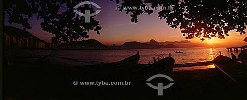 Posto 6 - barcos de pesca - Praia de Copacabana - Rio de Janeiro - RJ - Brasil  - Rio de Janeiro - Rio de Janeiro - Brasil
