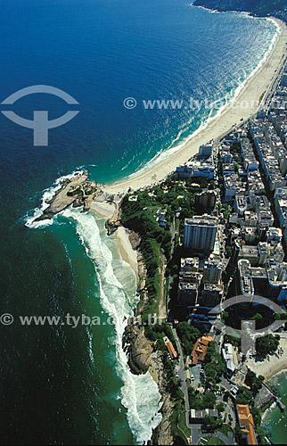 Vista aérea da Pedra do Arpoador tendo abaixo a Praia do Diabo e outras 2 praias pertencentes ao Exército Brasileiro e acima a praia de Ipanema - Rio de Janeiro - RJ - Brasil  - Rio de Janeiro - Rio de Janeiro - Brasil