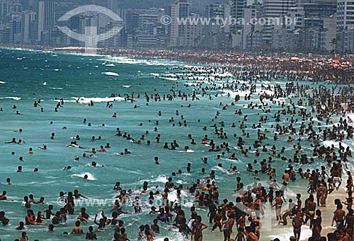 Praia de Ipanema lotada de banhistas - Rio de Janeiro - RJ - Brasil  - Rio de Janeiro - Rio de Janeiro - Brasil