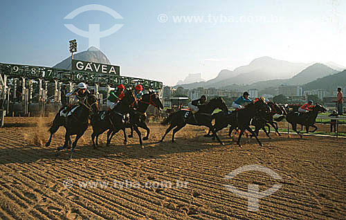 Corrida de cavalos no Hipódromo da Gávea, que pertence ao Jockey Club Brasileiro - Rio de Janeiro - RJ - Brasil  - Rio de Janeiro - Rio de Janeiro - Brasil
