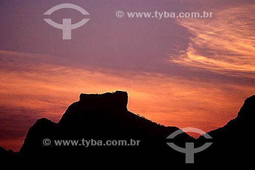 Silhueta da Pedra da Gávea   ao entardecer - Rio de Janeiro - RJ - Brasil / Data: 05/1992  Patrimônio Histórico Nacional desde 08-08-1973.
