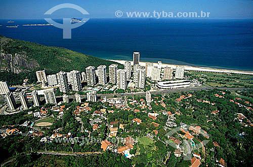 Vista aérea do bairro São Conrado com o Shopping Fashion Mall (construção horizontal) à direita - Rio de Janeiro - RJ - Brasil  - Rio de Janeiro - Rio de Janeiro - Brasil
