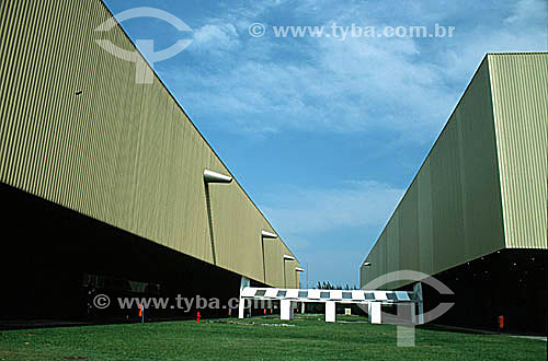 Detalhe de dois pavilhões do complexo do Riocentro, um dos maiores centros de convenções da América Latina - Barra da Tijuca - Rio de Janeiro RJ - Brasil  - Rio de Janeiro - Rio de Janeiro - Brasil