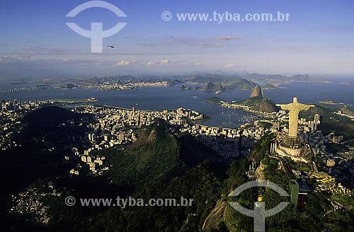 Assunto: Vista aérea do Cristo Redentor no morro do Corcovado / Local: Rio de Janeiro - RJ - Brasil / Data: 2006