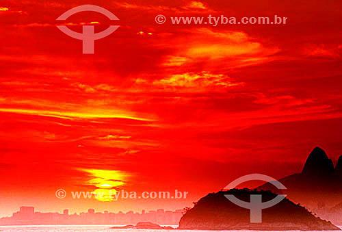 Pôr-do-sol no Rio de Janeiro - RJ - Brasil  - Rio de Janeiro - Rio de Janeiro - Brasil