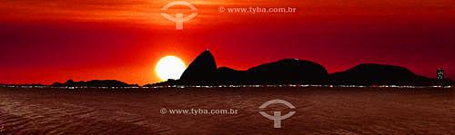 Panorâmica do Pão de Açúcar visto do Aterro do Flamengo ao nascer do sol - Rio de Janeiro - RJ - Brasil   - Rio de Janeiro - Rio de Janeiro - Brasil