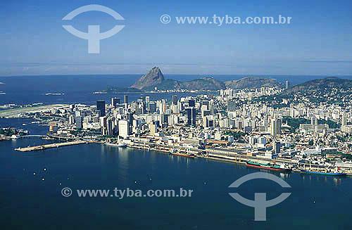 Vista aérea do centro do Rio de Janeiro visto da Baía de Guanabara - RJ - Brasil  - Rio de Janeiro - Rio de Janeiro - Brasil