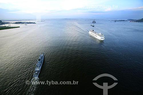 Assunto: Vista aérea de navios na Baía da Guanabara / Local: Rio de Janeiro - RJ - Brasil / Data: 2006