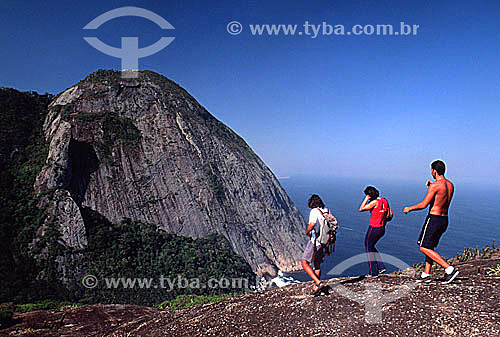 Caminhada no Costão de Itacoatiara - Serra da Tiririca - Niterói - RJ - Brasil  - Niterói - Rio de Janeiro - Brasil
