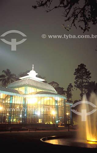 Palácio de Cristal  - Petrópolis - RJ - Brasil  Construído na França e inaugurado em 1884, o Palácio foi um presente do Conde D`Eu à sua esposa, a Princesa Isabel. Foi ali, numa cerimônia realizada em abril de 1888, que a Princesa Isabel conferiu Títulos de Alforria aos 103 últimos escravos em Petrópolis. é Patrimônio Histórico Nacional desde 21-06-1967.  - Petrópolis - Rio de Janeiro - Brasil