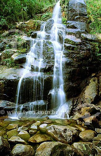 Cachoeira no Parque Nacional de Itatiaia  - ao sul do estado do Rio de Janeiro - Brasil   é o Parque Nacional mais antigo do Brasil, criado em 1937. Ocupa as encostas e o topo da Serra da Mantiqueira na divisa entre RJ e MG.  - Itatiaia - Rio de Janeiro - Brasil