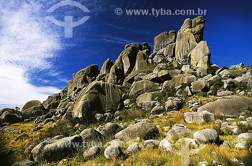 Formação rochosa no Parque Nacional das Agulhas Negras - RJ - Brasil. Data: 2006