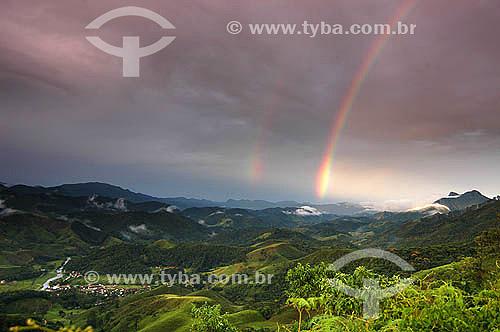 Arco-íris em Visconde de Mauá com a Pedra Selada à direita - Rio de Janeiro - Brasil                            - Resende - Rio de Janeiro - Brasil