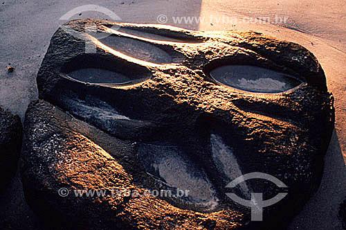 Marcas feitas pelos índios séculos atrás para afiar suas ferramentas - Ilha Grande - APA dos Tamoios - Baía de Angra dos Reis - Costa Verde - RJ - Brasil  - Angra dos Reis - Rio de Janeiro - Brasil