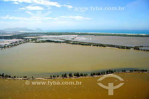 Vista aérea da Lagoa de Araruama - Cabo Frio - RJ - Brasil - Novembro de 2006  - Cabo Frio - Rio de Janeiro - Brasil
