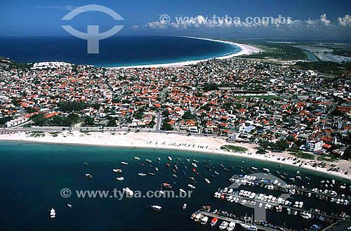 Vista aérea de Arraial do Cabo com a Praia dos Anjos em primeiro plano e a Praia Grande ao fundo - Costa do Sol - Região dos Lagos - RJ - Brasil  - Cabo Frio - Rio de Janeiro - Brasil
