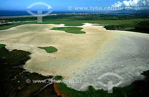 Assunto: Reserva Biológica de Jacarepiá - APA de Massambaba  / Local: Saquarema - Rio de Janeiro (RJ) - Brasil / Data: 2006 Localizada em região de salinas, entre a Praia Grande (Arraial do Cabo) e a divisa com Araruama, é uma longa e estreita faixa de areia localizada entre o Oceano Atlântico e a Lagoa de Araruama que se estende por 25 km.