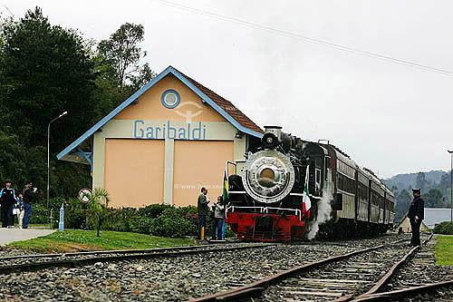 Estação de trem em Garibaldi onde turistas são recebidos para degustação de espumantes e vinhos - Rota dos espumantes  - Canela - Rio Grande do Sul - Brasil