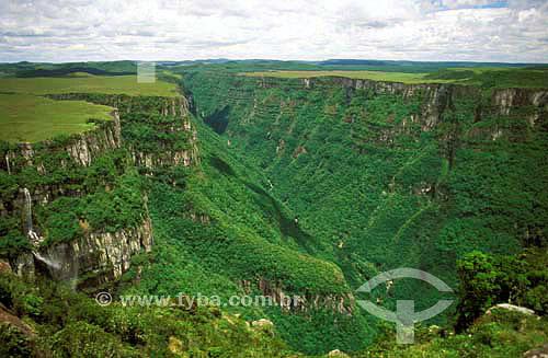 Canyon Fortaleza - Parque Nacional da Serra GeralRio Grande do SulMaio/2006.  - Rio Grande do Sul - Brasil