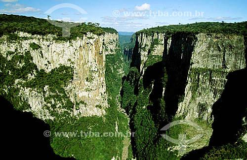 Canyon Itaimbezinho - Aparados da Serra - RS - Brasil  - Rio Grande do Sul - Brasil