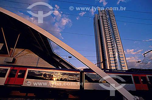 Transporte, Estação CPTM (Companhia Paulista de Trens Metropolitanos), Região da Berrini - SP - BrasilJulho 2000  - São Paulo - São Paulo - Brasil