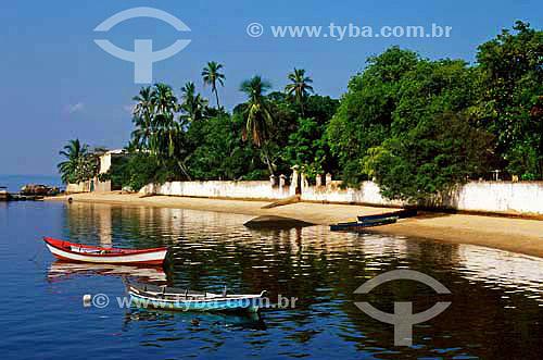 Barcos e praia na Ilha do Cardoso - São Paulo - Brasil  - São Paulo - São Paulo - Brasil