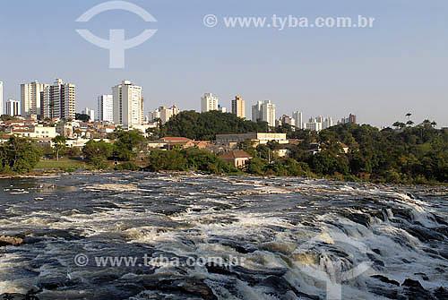 Rio Piracicaba com cidade ao fundo - Piracicaba - SP - Setembro de 2007  - Piracicaba - São Paulo - Brasil