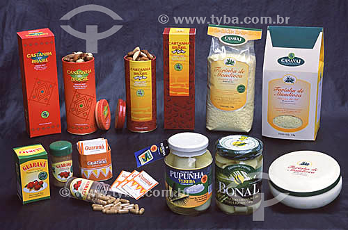 Embalagens produzidas pela ANAC (Agência de Negócios do Acre - Governo do Acre) para valorizar os produtos da floresta (castanha, palmito de pupunha, guaraná e farinha) e projetá-los no mercado nacional e internacional.(maio de 2001)  - Acre - Brasil
