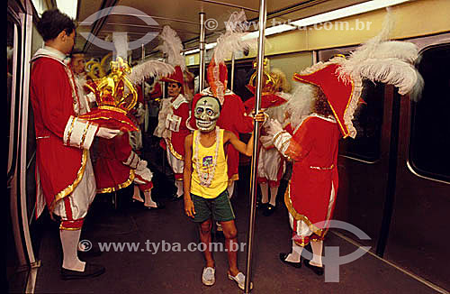 Carnaval no metrô - Rio de Janeiro - RJ - Brasil. Data: 2004