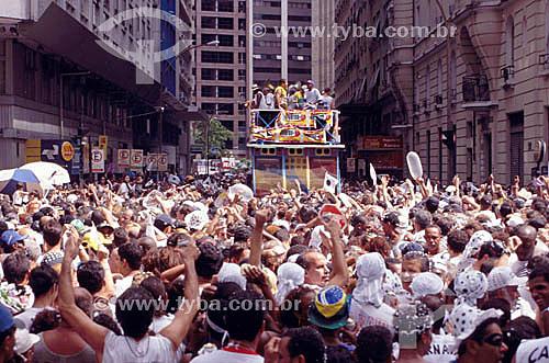 O tradicional bloco de carnaval carioca Cordão do Bola Preta desfilando no Centro do Rio de Janeiro - RJ - Brasil  - Rio de Janeiro - Rio de Janeiro - Brasil