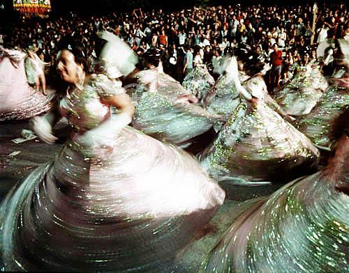 Foto  histórica do desfile de carnaval da ala das baianas da Mangueira na Av. Presidente Vargas - Rio de Janeiro - RJ - Brasil  - Rio de Janeiro - Rio de Janeiro - Brasil