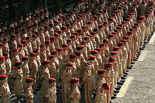 Alunos do Colégio Militar em forma no pátio do colégio  - Rio de Janeiro - Rio de Janeiro - Brasil