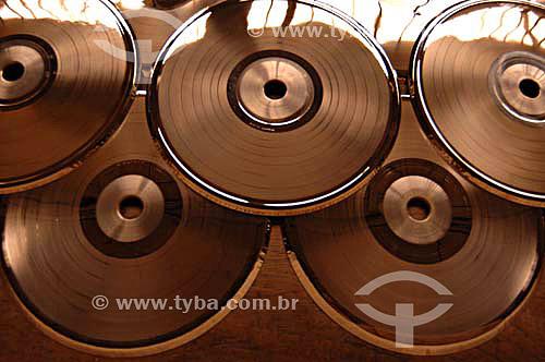 Matrizes da Fábrica de Discos de vinil Poly Som - Belford Roxo - RJ - Brasil - Data: 13/12/2006