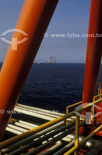 Plataforma de produção de petróleo - Bacia de Campos - RJ - Brasil  - Campos dos Goytacazes - Rio de Janeiro - Brasil