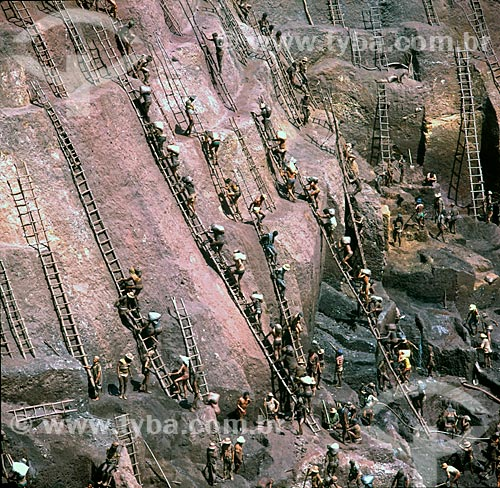 Garimpo em Serra Pelada, Garimpeiros, mineração, Ouro, Pará  - Curionópolis - Pará - Brasil