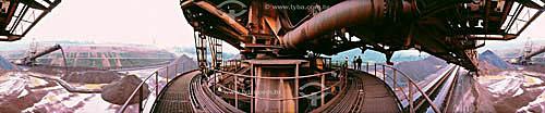 Minério de ferro - Mina de Carajás - Companhia Vale do Rio Doce - PA - Brasil  - Parauapebas - Pará - Brasil