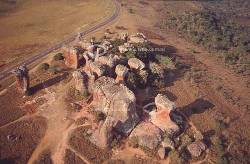 Vista aérea de formações rochosas naturais de Vila Velha, cujos  torreões chegam a alcançar 35 metros de altura - Parque Estadual de Vila Velha - PR - Brasil  - Vila Velha - Paraná - Brasil