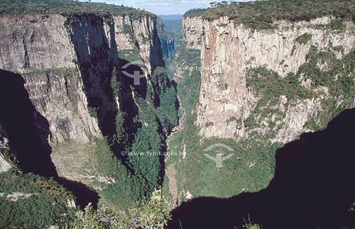 Canyon do Itaimbezinho - Parque Nacional dos Aparados da Serra - RS - Brasil  - Rio Grande do Sul - Brasil