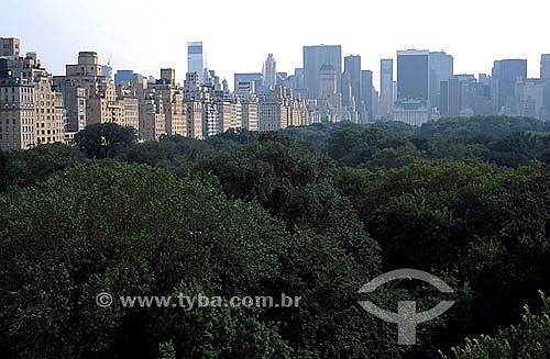 Central Park com prédios ao fundo - Nova York - NY - Estados Unidos - 2000