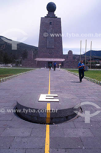 Monumento da metade do mundo - Quito - Equador