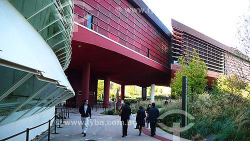 Museu de Quai Branly (Obra do arquiteto Jean Nouvel) - Paris - França - Outubro de 2007