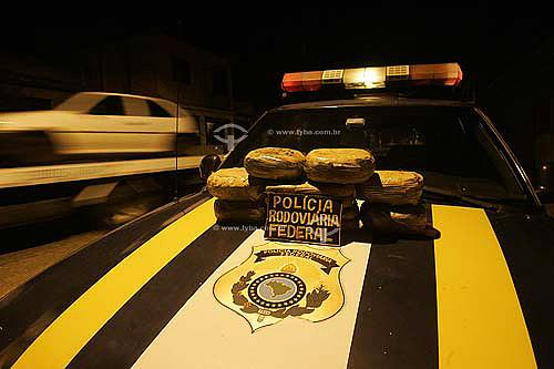 Pacotes de drogas apreendidas na via-dutra pela polícia rodoviária federal  - Rio de Janeiro - Rio de Janeiro - Brasil