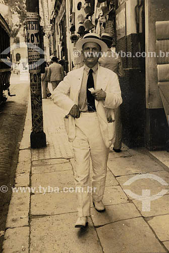 Moda masculina - anos 40 - Belém - Pará - (Francisco Barbosa)Acervo: Maria Evangelina Rodrigues de Almeida  - Belém - Pará - Brasil