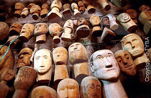 Assunto: Sala dedicada aos ex-votos no interior da gruta do Santuário de Bom Jesus da Lapa / Local: Bom Jesus da Lapa - Bahia - Brasil / Data: 2005